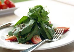 Salad Rich With Iron, Vitamin C and Folate