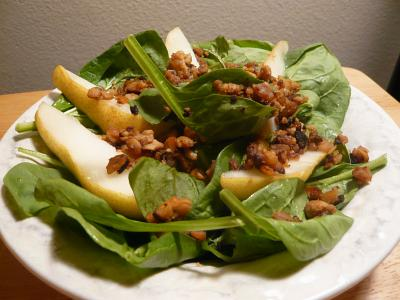 Spinach Smoked Tempeh Pear
